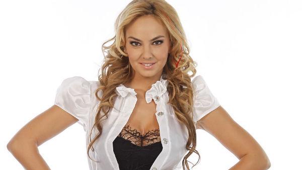 Roxana Ionescu, mic dejun servit la pat