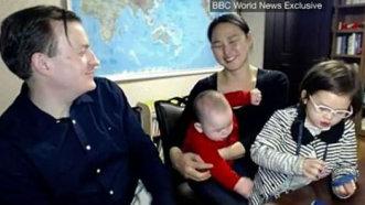 Cei 2 copii care au intrat peste interviul tatălui lor la BBC au primit propriu desen animat - VIDEO