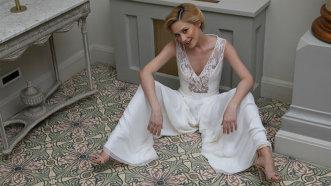Salopeta: glam, sexy, sofisticată! Cum înlocuieşte rochia de seară? - Foto