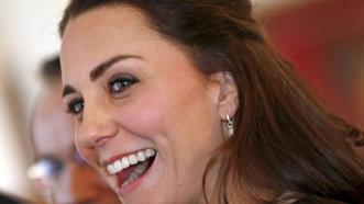 Care este secretul părului strălucitor al lui Kate Middleton? Iată cum poţi avea păr de Ducesă!
