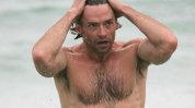Dragostea e oarbă! N-o să crezi cum arată soţia lui Hugh Jackman la plajă