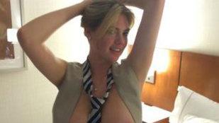 Top-modelul Kate Upton, victima hackerilor! În toată splendoarea, pe internet!