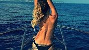 Ea este Paris Hilton de România! Uite cum poate să pozeze moştenitoarea răsfăţată din showbiz