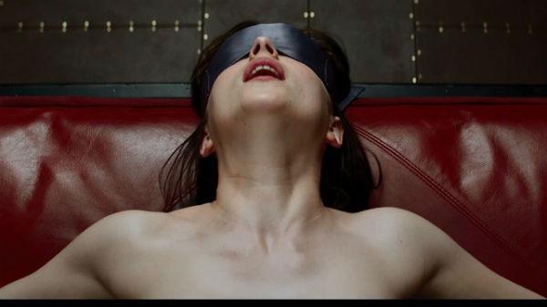 "Ce efecte a avut filmul ""Fifty Shades Darker"" asupra femeilor - FOTO&VIDEO"
