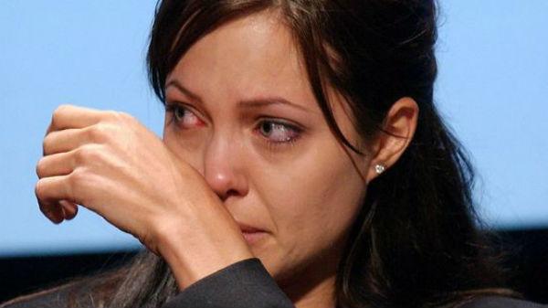 Angelina Jolie, declaraţie sfâşietoare despre divorţul de Brad Pitt: ''E extrem de dificil'' - FOTO