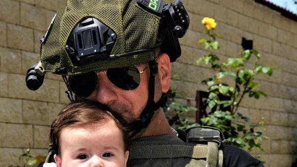 După ce a avut grave probleme de sănătate, fetiţa lui Christian Sabbagh, în direct la TV. Anais e adorabilă!