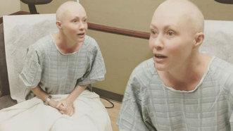 """Cum arată actriţa Shannen Doherty după 2 ani de luptă cu cancerul: """"Mă simt din nou femeie"""" - FOTO"""