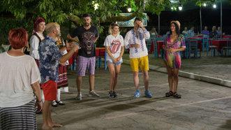 """Gina, Speak şi Flick devin experţi în limbajul semnelor în prima ediţie a emisiunii  ,,Aventură cu 4 stele"""" din Grecia"""