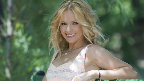 """Simona Gherghe, operată de urgenţă: """"După sarcina mi-au apărut foarte multe"""""""