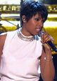 Jennifer Hudson va fi Aretha Franklin in filmul despre viata marii cantarete