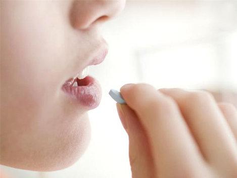 Tratamentul anti-HIV reduce riscul r�spândirii infecţiei