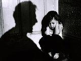Prietenii �i familia, cei mai periculo�i în cazul abuzului sexual asupra copiilor