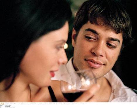 Mai mult alcool inseamna mai multi parteneri de sex