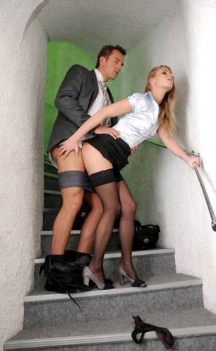 Sex la locul de munca