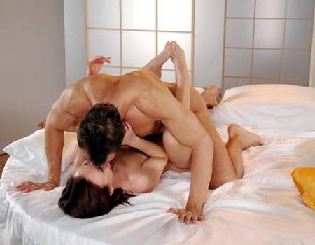 Pozitii de facut dragoste: Cele mai tari pozitii sexuale in imagini