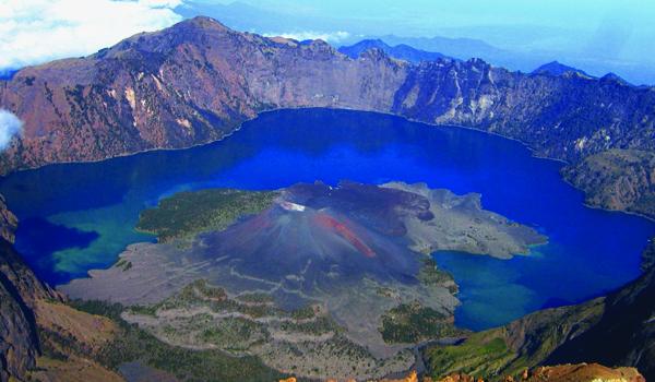 Cele mai spectaculoase cratere din lume