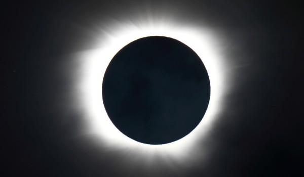 Eclipsa in Pacific (II)