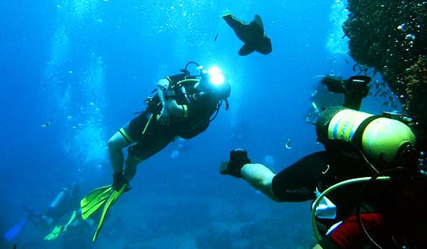 7 destinatii insolite de scuba-diving si snorkeling din lume