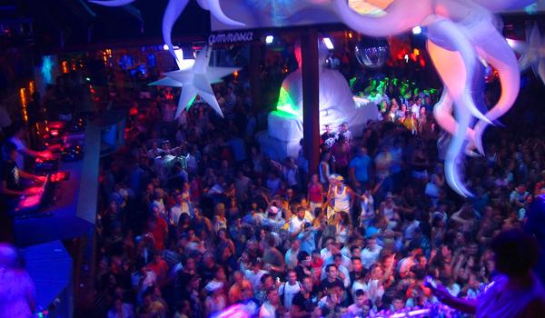 Unde se dau cele mai tari petreceri pe plaja din lume?