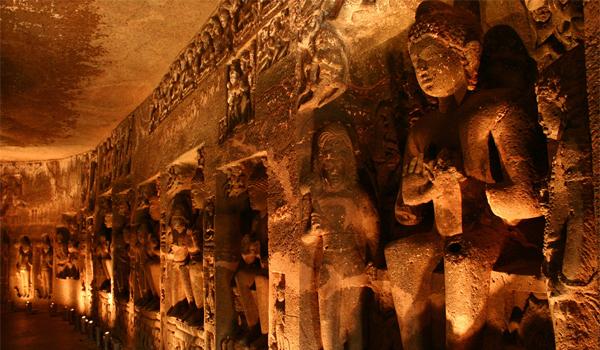 Ajanta & Ellora: pesterile unde dorm Zeii