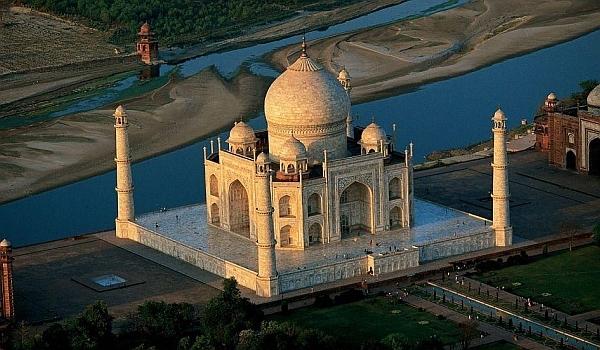 Taj Mahal –  Bijuteria artei mogule