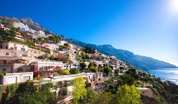 Coasta Amalfi şi insula Capri, perlele Mării Tireniene