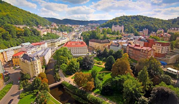 Izvoarele  fierbinţi  din  Karlovy  Vary