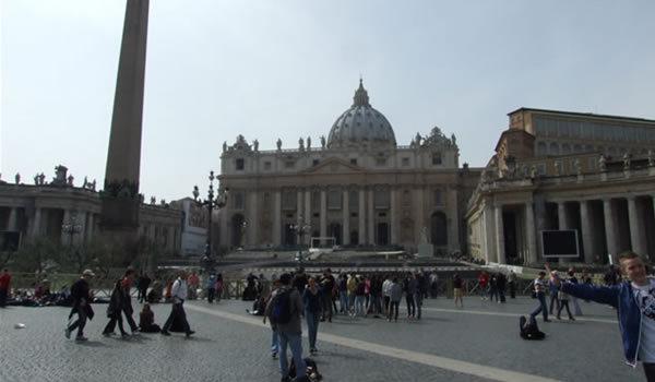 Roma religioasă
