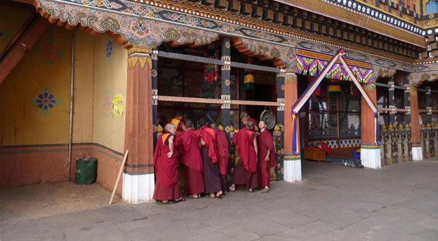 Bhutan, micul regat budist de la picioarele Himalayei