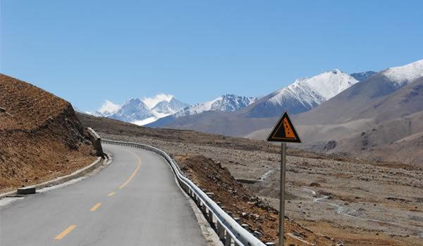 Lungul drum spre Lhasa. Episodul 2: Nyalam - ospătăriţa nu are batistă