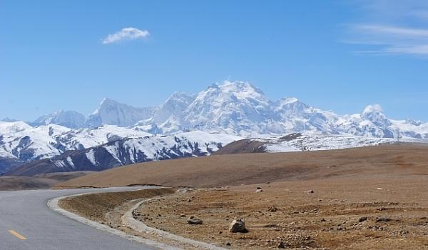 Lungul drum spre Lhasa. Episodul 3: Tingri, de unde se vede Everestul