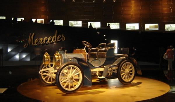 Stuttgart – domeniul Mercedes