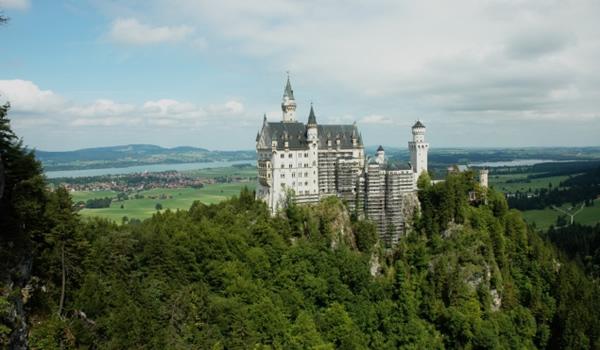 Neuschwanstein - castelul  din  poveşti