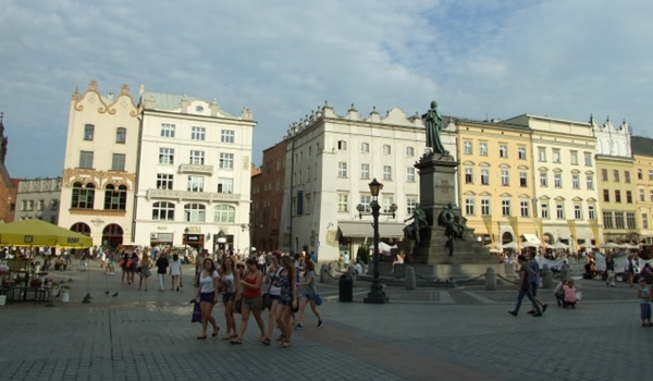 Cracovia din ţinutul balaurului: Cazimir şi Wieliczka