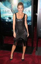 Ready To Party: Elsa Pataki într-o rochie stil flapper