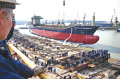 Constructorii de nave au nevoie de mii de angajati pentru a putea onora comenzile