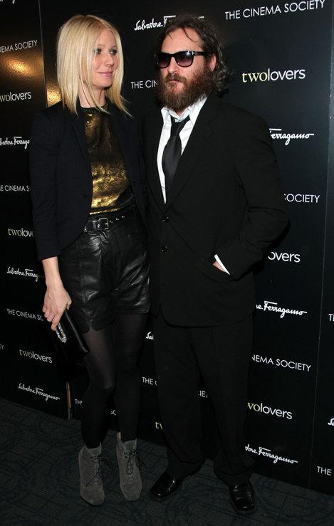 Fața lui Gwyneth văzându-l pe Joaquin Phoenix