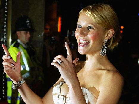 Gwyneth bucurându-se