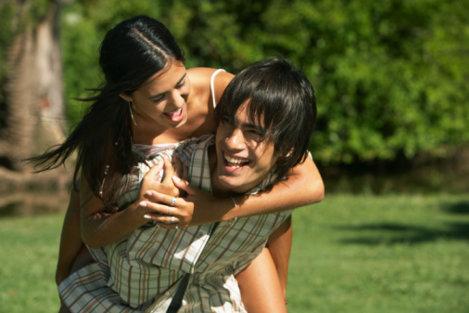 Cuplu adolescenti