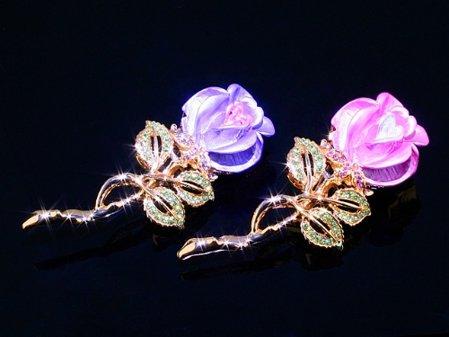 Brosa din cristale swarovski sub forma de trandafir