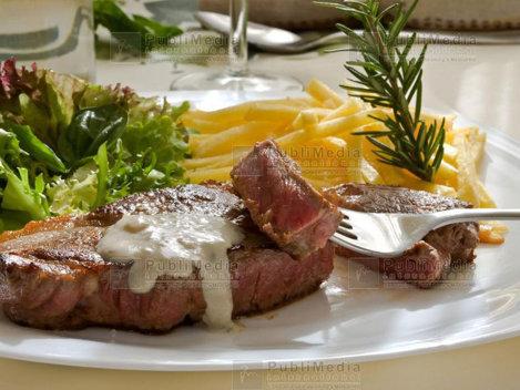 Reţete friptură de vită: 12 reţete de friptură de vită