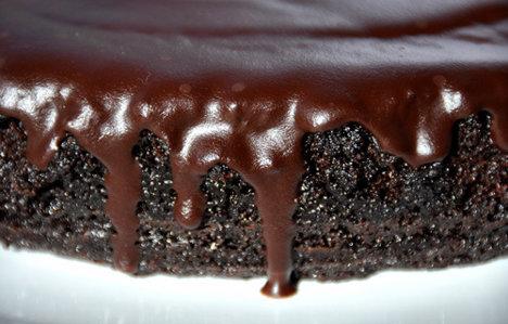 tort ciocolata si bere