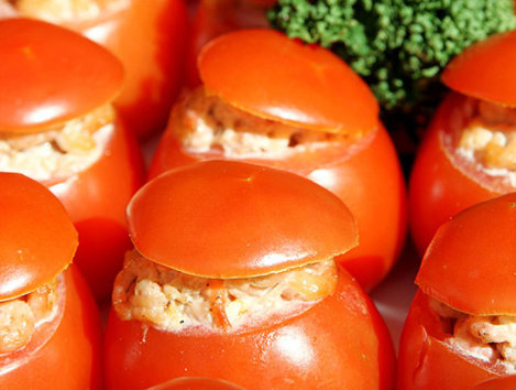 rosii umplute cu salata boeuf