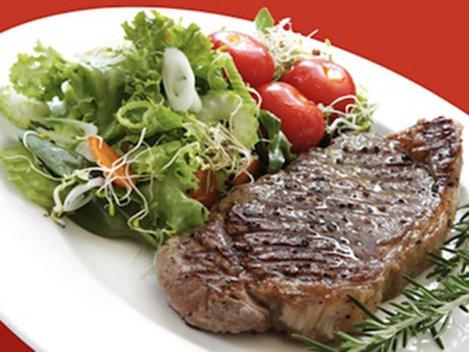 Carnea este mai sănătoasă decât salata din supermarket!