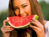 De ce este bine să mâncăm pepene roşu