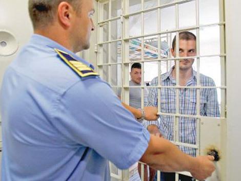 Un deţinut a inventat un aparat contra hoţilor