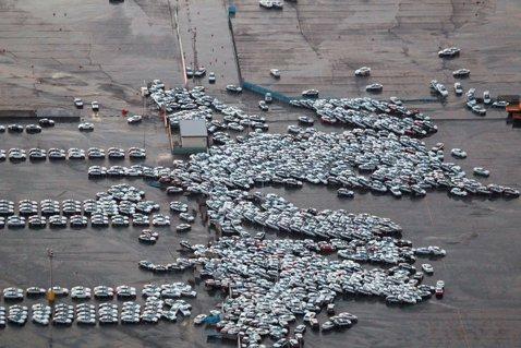 masini luate de tsunami