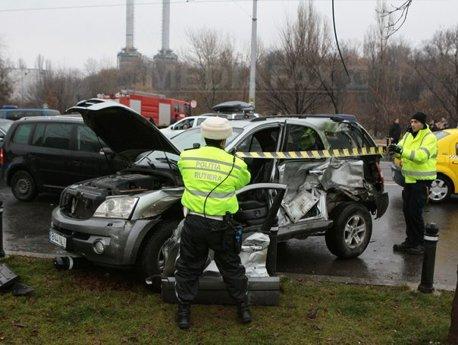 Așa arăta mașina condusă de Mircea Lucescu, imediat după impactul cu tramvaiul