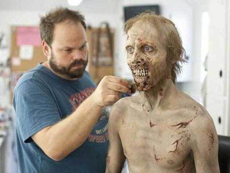 Halloween: Cum sa devii zombie (Poze)