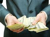 Eşti sărac? Uite 10 motive pentru care nu te vei îmbogăţi niciodată!
